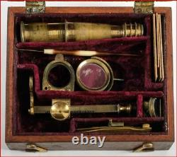 DIMINUATIVE ANTIQUE EARLY 1800s FITTED MAHOGANY BOXED BRASS FIELD MICROSCOPE