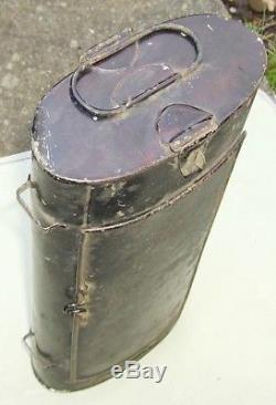 Vintage tin botanist's Vasculum